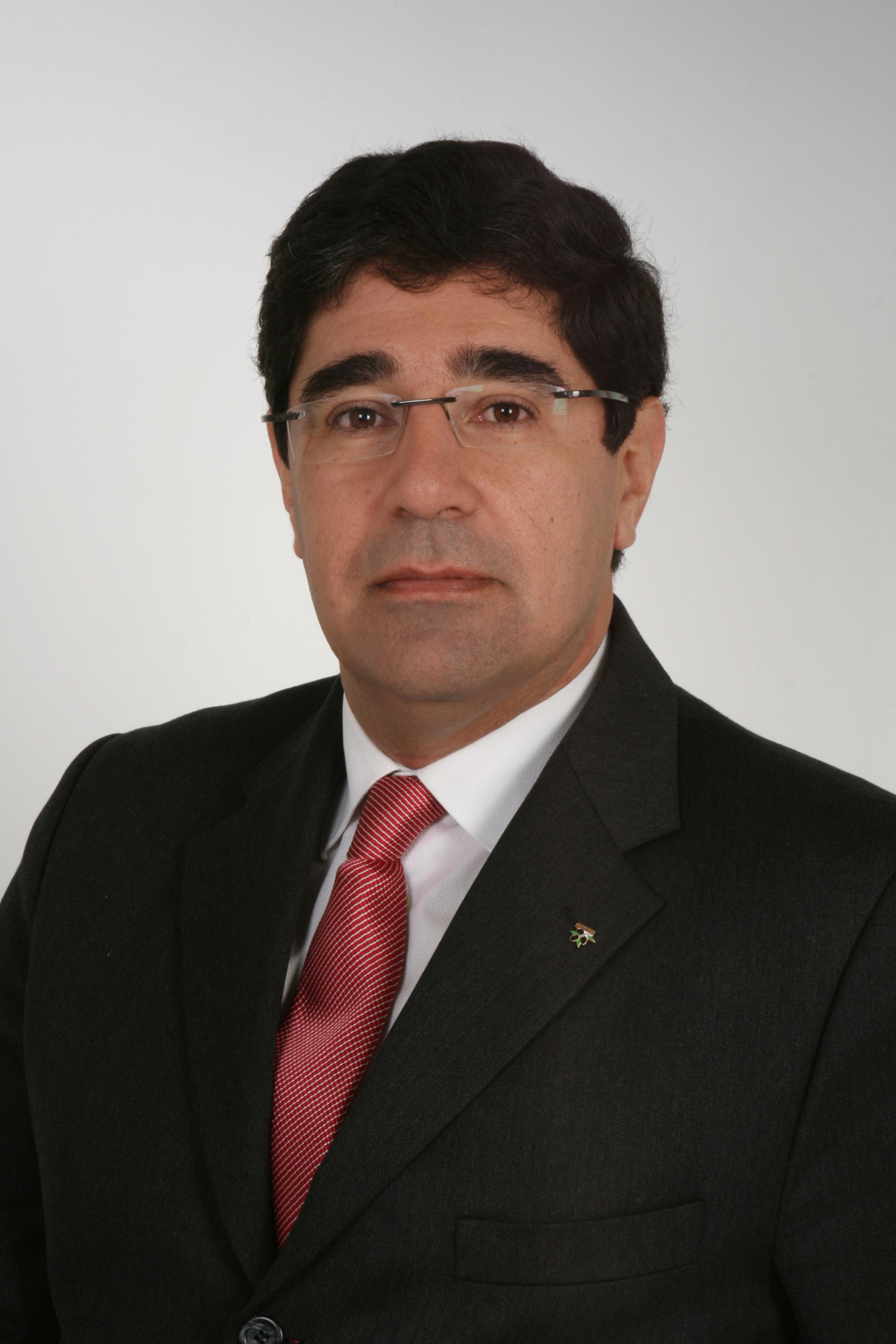 António Almor Branco